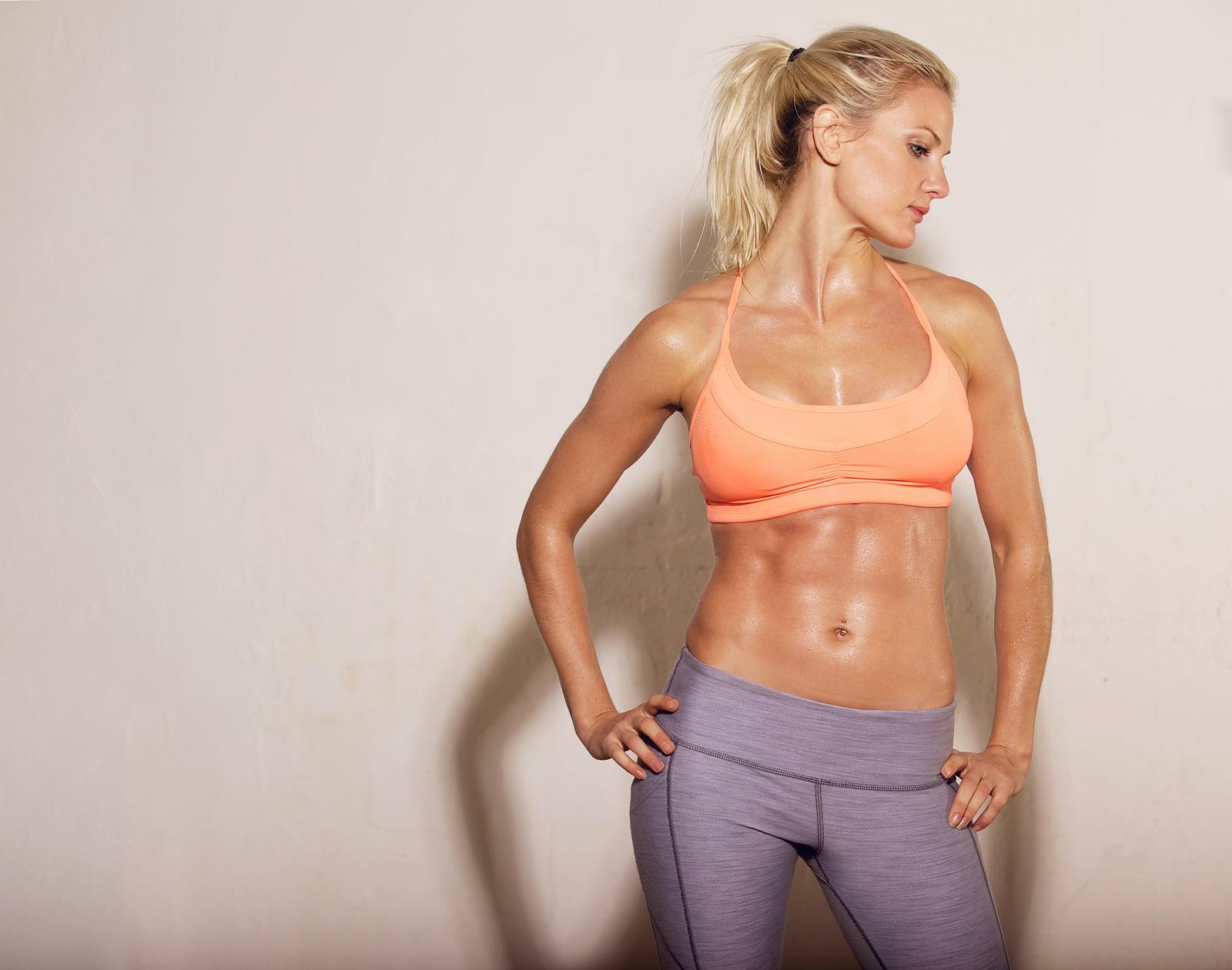 Die Trainergeräte für die Abmagerung des Bauches und der Seiten